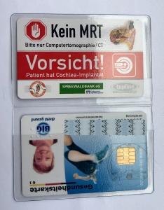 Die Rettungskarte mit MRT-Warnhinweis.