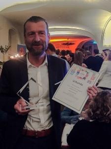 Preis für App zur Linderung von Tinnitus – ReSound Gebietsleiter Michael Richter nahm den Show your App Award für die ReSound Relief App entgegen (Foto: ReSound)
