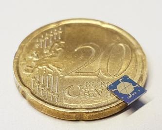 Trotz leistungsstarker Parameter misst dieser Ein-Wege-MEMS-Lautsprecher gerade einmal 3 Millimeter. Fraunhofer ISIT
